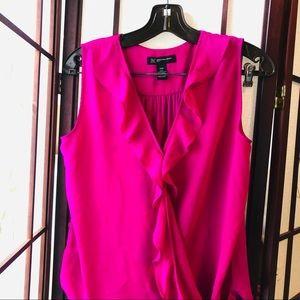 Fuschia sleeveless blouse M